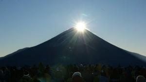 年越し竜ヶ岳でダイヤモンド富士